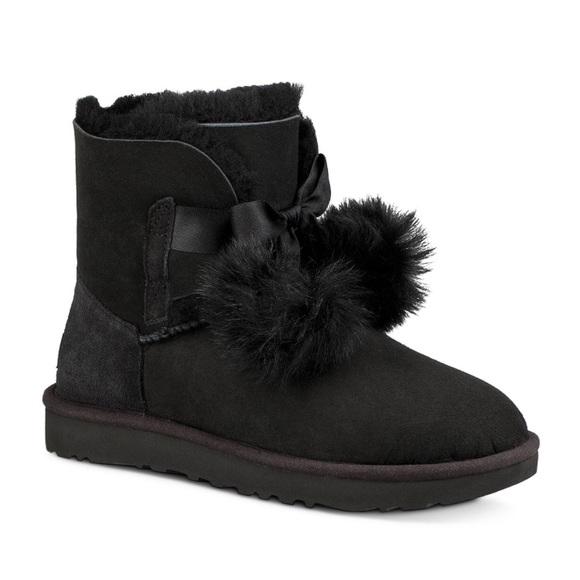 73b294b01df NEW Ugg Gita Black Sheepskin and Fur Pom-Pom Boots NWT